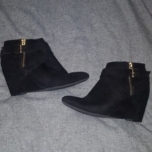 Black wedge booties with buckles! Size 7!